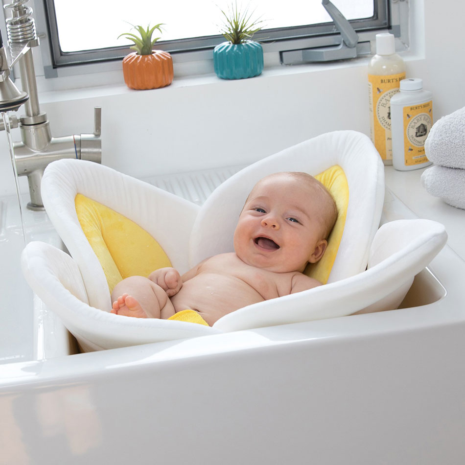 Blooming Bath Lotus Yellow | Baby Tuga